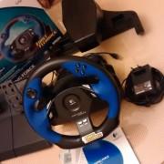 Volante Logitech Driving Force, compatible con PC y PS2