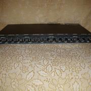 DBX 1046 - Compresor de 4 canales