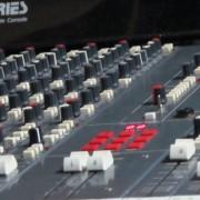 Mesa Analógica Soundtracs PC MIDI