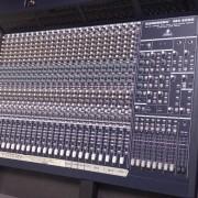 MESA DE MEZCLAS BEHRINGER MX-9000