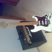 guitarra fender deluxe roadhouse stratocaster arctic white
