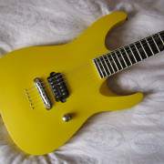 Kemp Guitars modelo SS (SuperStrat)