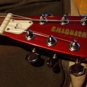 CHIQUITA TRAVEL GUITAR 80's FIRE RED C/FUNDA ORIGINAL [ZZ TOP/MARTY MCFLY]