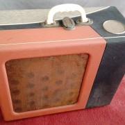 Maleta Tocadiscos y amplificador válvulas Portátil - 1960 (para reparar)