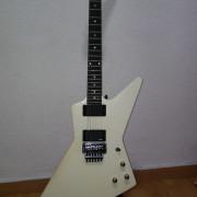 Gibson Explorer Tremolo 2011