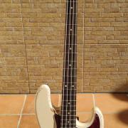 Vendo Fender FLEA Jazz Bass
