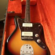 Fender Jazzmaster Avri 65 con Mastery Bridge - como NUEVA!!