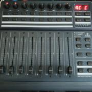 BCF2000 Behringer