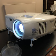 Proyector 3000 Lumens - NEC LT380