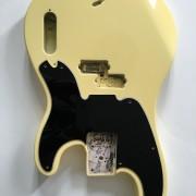 Cuerpo Original Fender Mike Dirnt Vintage White + Golpeador