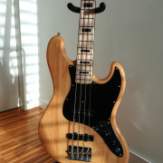 Cambio Jazz Bass Fresno