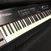 Roland RD700SX