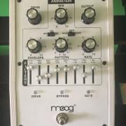 Moog MIDI MURF White Limited Edition