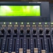 O CAMBIO; KORG D16 (mesa de mezclas y grabaciones)