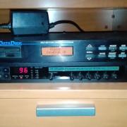 Korg A3 ( SPC 01) + Alesis Data Disk con manual en español