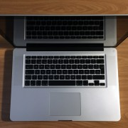"""Macbook Pro 15"""" - i7 - 8GB RAM - SSD 120 GB + HDD 500GB"""