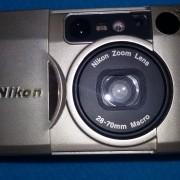 Cámara de fotos NIKON LITE TOUCH