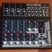 Mesa de mezclas Behringer Xenyx 1202FX