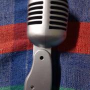 Micrófono retro. Envío incluido por 50e