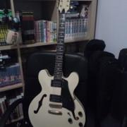 Guitarra tipo dot 335 Antoria Madre in korea