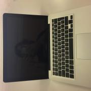 MacBook Pro 13 pulgadas modificado para rapidez y agilidad.