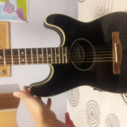 Fender stratoacoustic