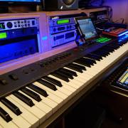 Clases de producción musical personalizadas.