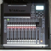 Mesa digital Roland M200i+S-1608+Flightcase
