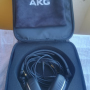 Auriculares AKG K-182 + funda + Estuche semirigido Beyerdinamic