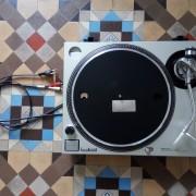 Tocadisco TECHNICS quartz SL1200 MK2