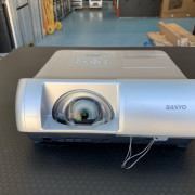 Proyector SANYO PLC-W2500