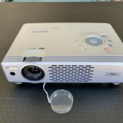 Proyector SANYO PLC-XU48