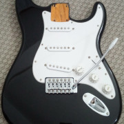 Squier by Fender Affinity Strat 2015 NEGRO completo/loaded