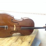 Cello 4/4  con arco y funda