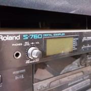 Sampler Roland s760, o s770.