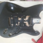 Cuerpo Fender Squier stratocaster negro