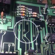 Mantenimiento y restauración de sintetizadores y equipos electrónicos