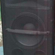 Columna JBL modelo MKII color negro. 350 WRMS