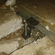 30 Cuelgues para construcción de techos en insonorización