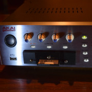AKAI Z4, 512RAM, FX, USB y lector de tarjetas CF
