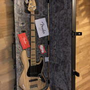 Fender Jazz Bass V American Elite nuevo