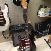 Harley Benton ST-62LH BK Vintage Series con pastis Fender zurdo