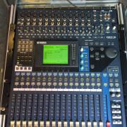 Yamaha 01v96 + flightcase. Perfecta!