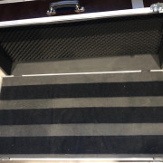 Maleta madera/aluminio Thon para pedales, sintetizadores...