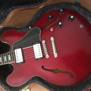 Gibson ES-335 Satin Wine Red 2018 - valoro cambio parcial.