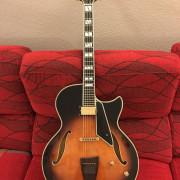 Conti Equity Guitar (hecha por Peerless)