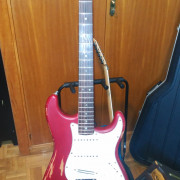 Fender Stratocaster Deluxe USA año 2000 con mejoras