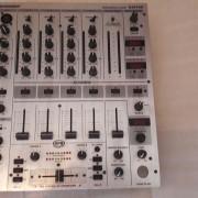 Behringer DJX 700