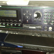 Kurzweil K2000R  sampler ,arquitectura y síntesis renovada.