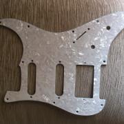 Golpeador Stratocaster HSS